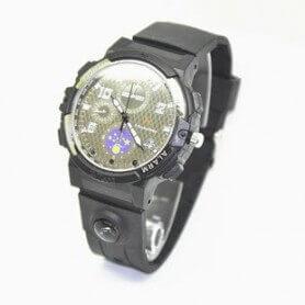 Montre espion HD 720p H264 IR et lampe de poche LED